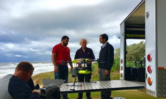 Samsung Note 8 hands on, LazyAz, Shark vs Drone, Fitbit smartwatch, GPS dog collar – NZ Tech Podcast 353