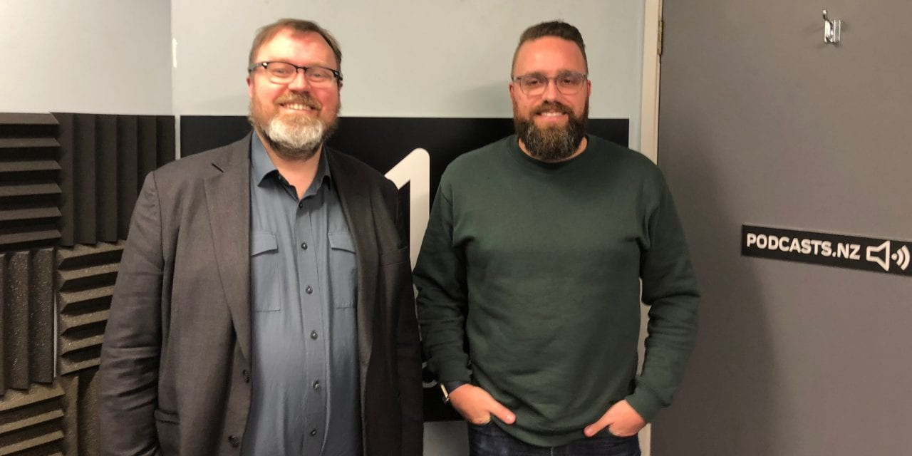 Trickle Beer Tech, Chorus 10Gbps, Microsoft Surface Go, USB-C Monitors, Work vs Personal phones – NZ Tech Podcast 396